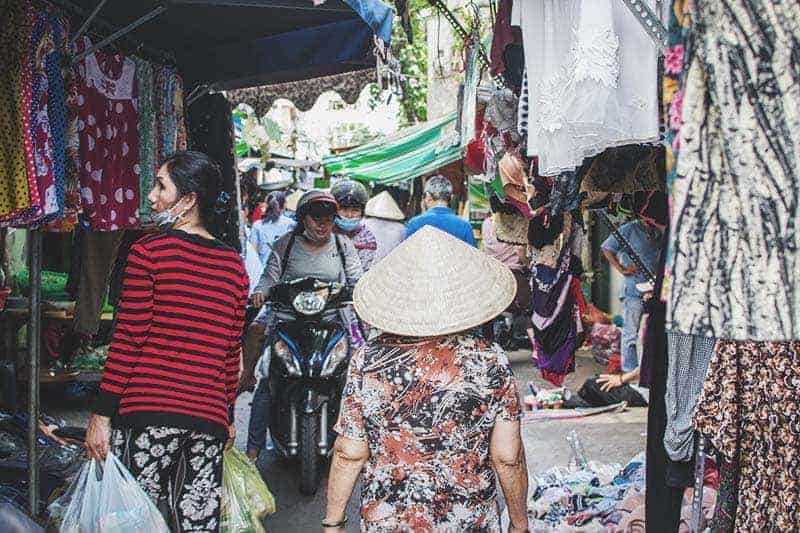 Vuon Chuoi Market, the most local market in Ho Chi Minh City