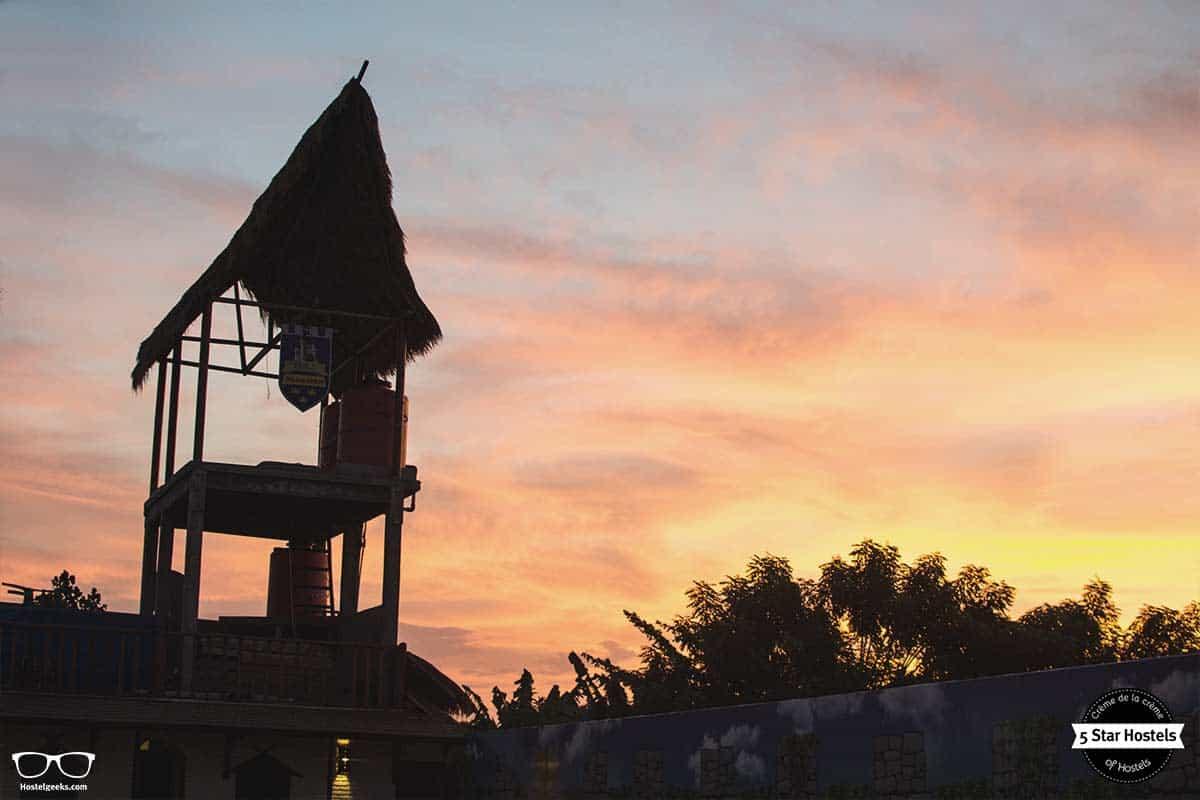 Gili Mansion sunset colors...