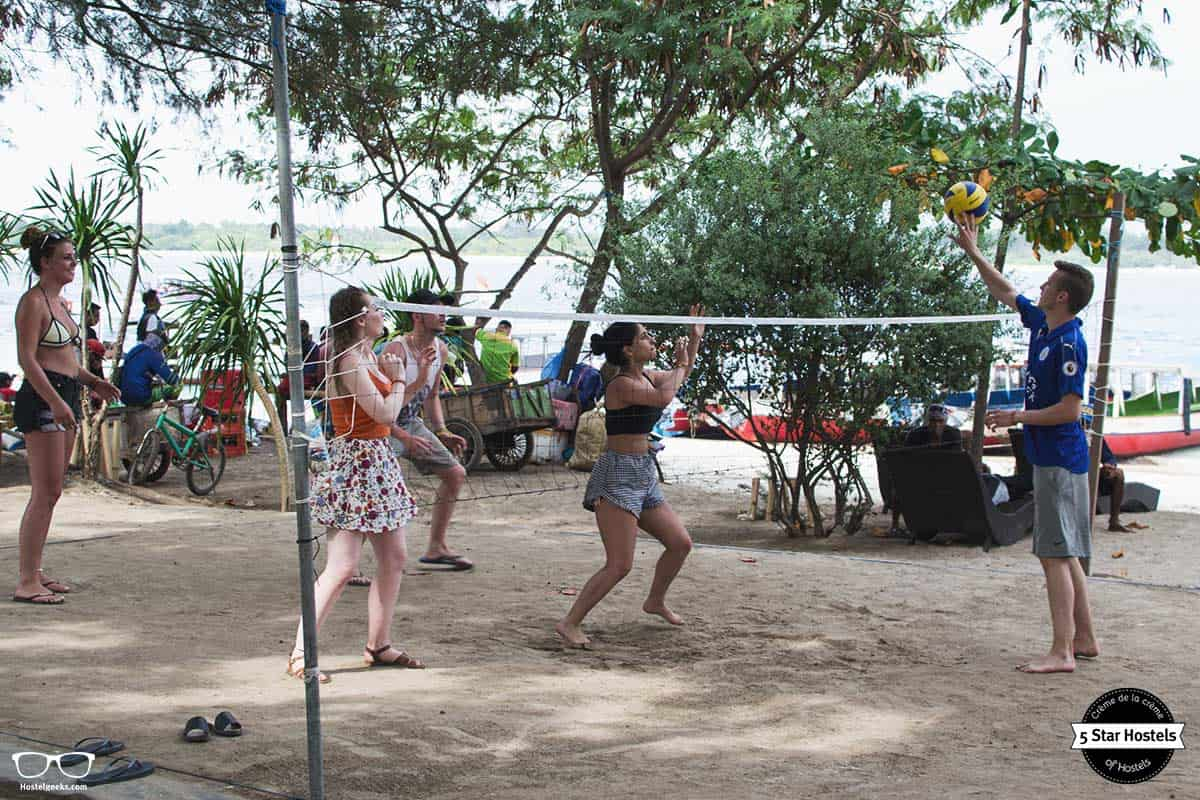 Wanna join? Free volleyball in Gili Trawangan