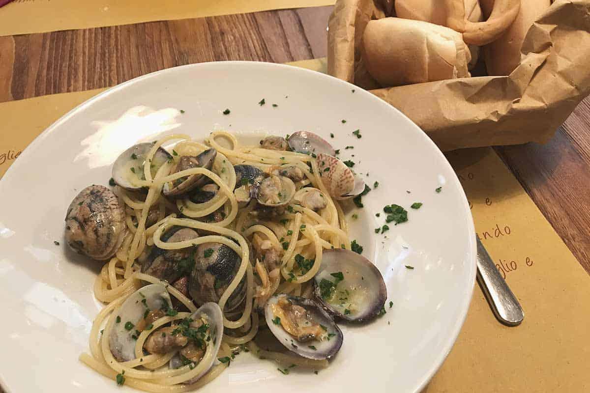 Spaghetti vongole, a tasty dish