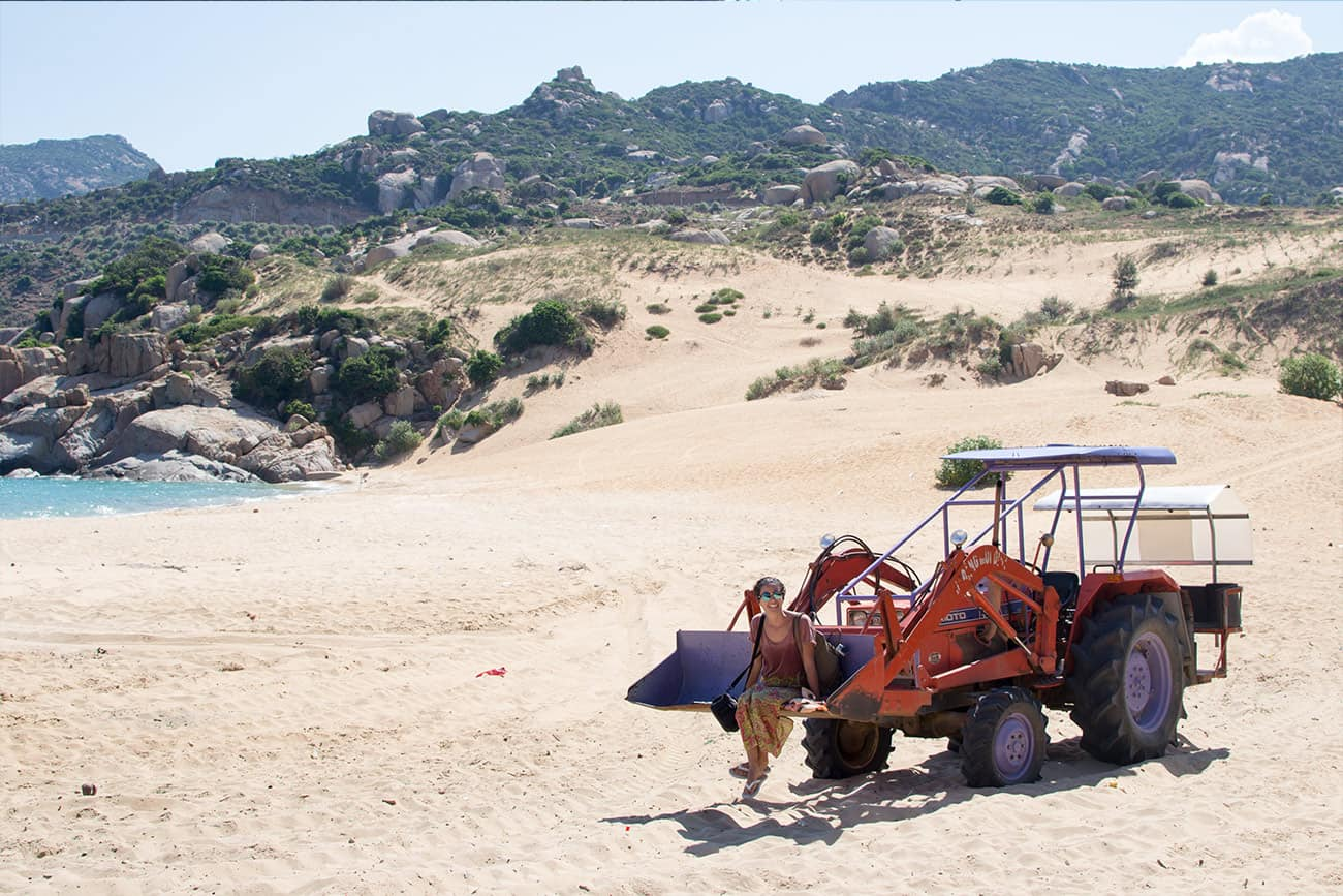 27 best things to do in vietnam 2018 10 important tips to prepare with the tractors shovel to the beach solutioingenieria Gallery