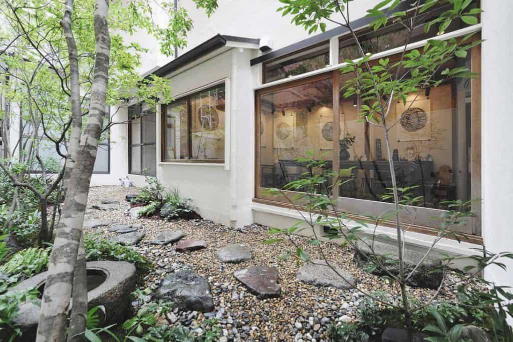 Rela at Kaisu Hostel garden
