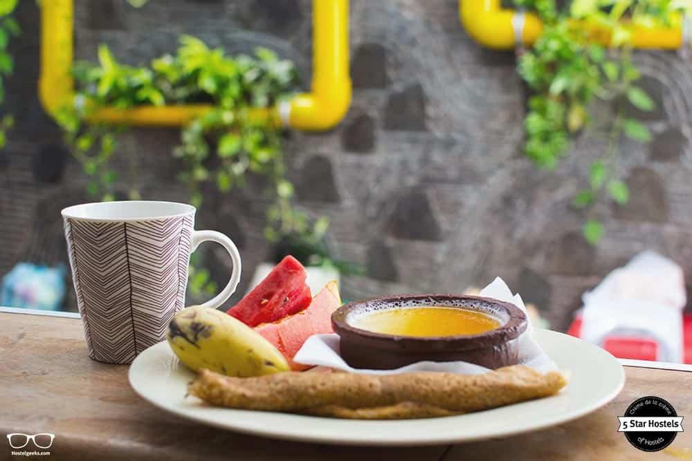 Tasty breakfast at Bunkyard Hostel, Colombo