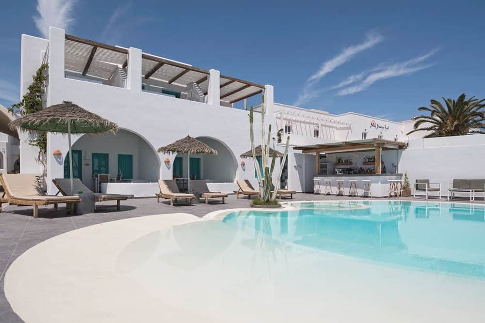 Where to stay in Santorini? Family firendly hotel