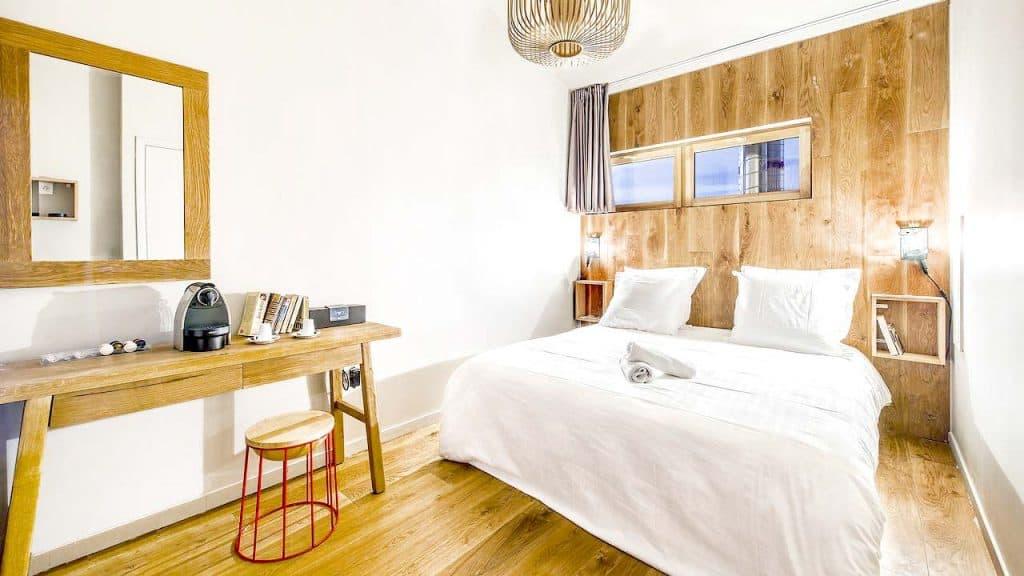 Best Hostels in Paris for Couples