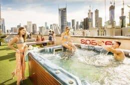 3 Best Hostels in Melbourne - Roof Top Jacuzzi vs Crazy Foam Parties? You got to choose!