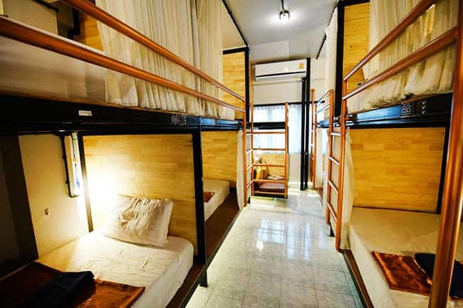 Sleep Owl Hostel (walking distance to Don Muang International Airport)