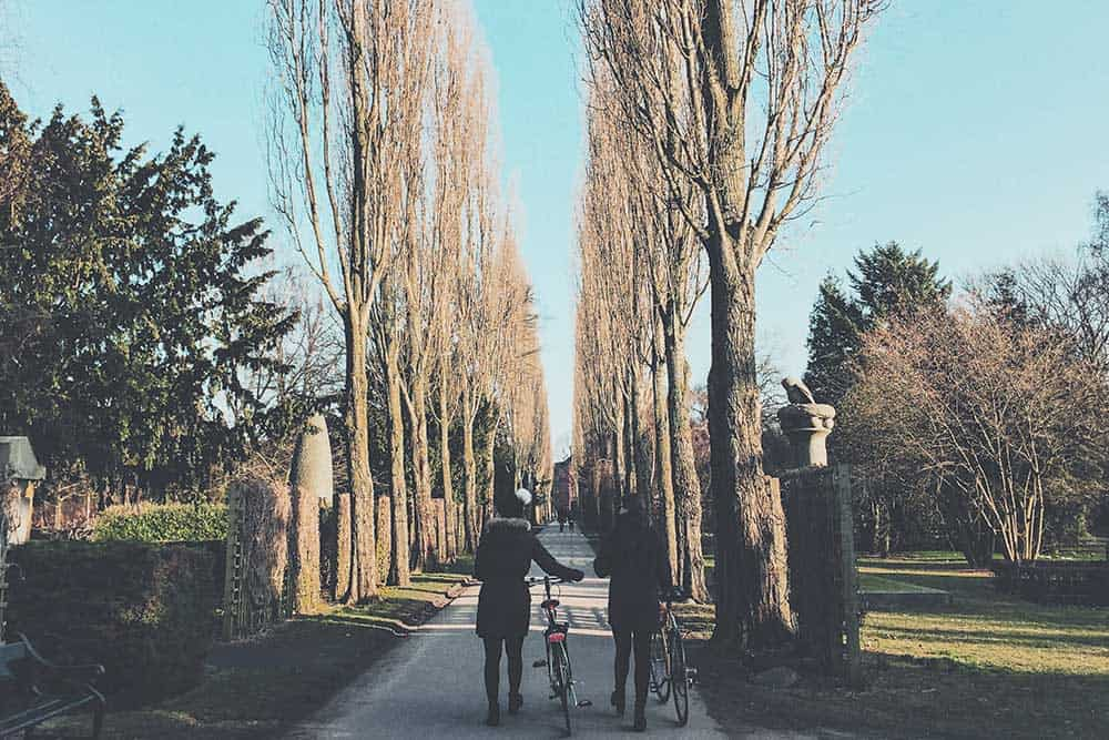 Stroll around a cemetery, an unsual thing to do  in Copenahgen