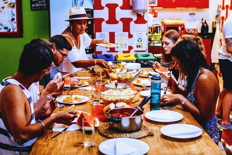 Free Dinner night at Youth Hostels Valencia