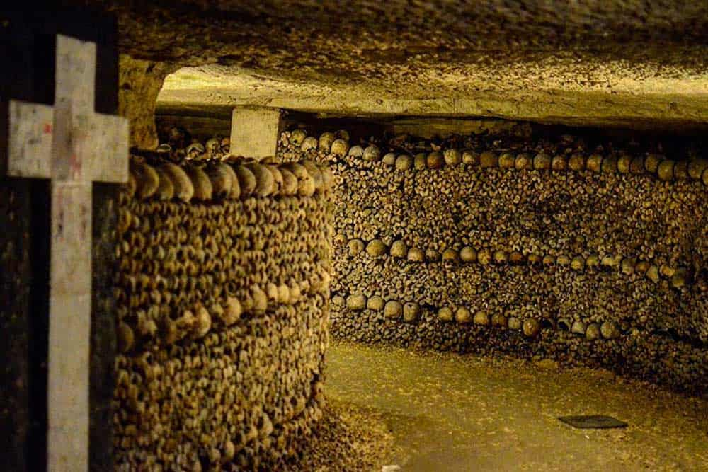 Visit the Paris catacombsc