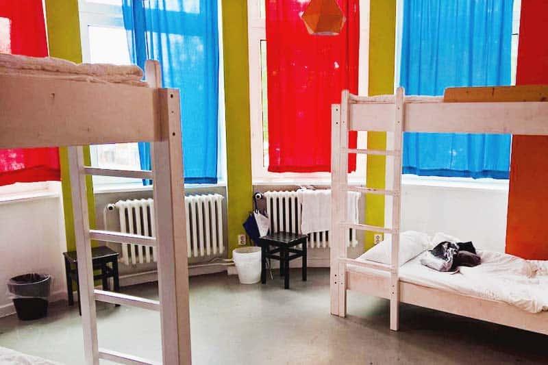 Looking for party hostels in hamburg? Make it Instant Sleep Hostel