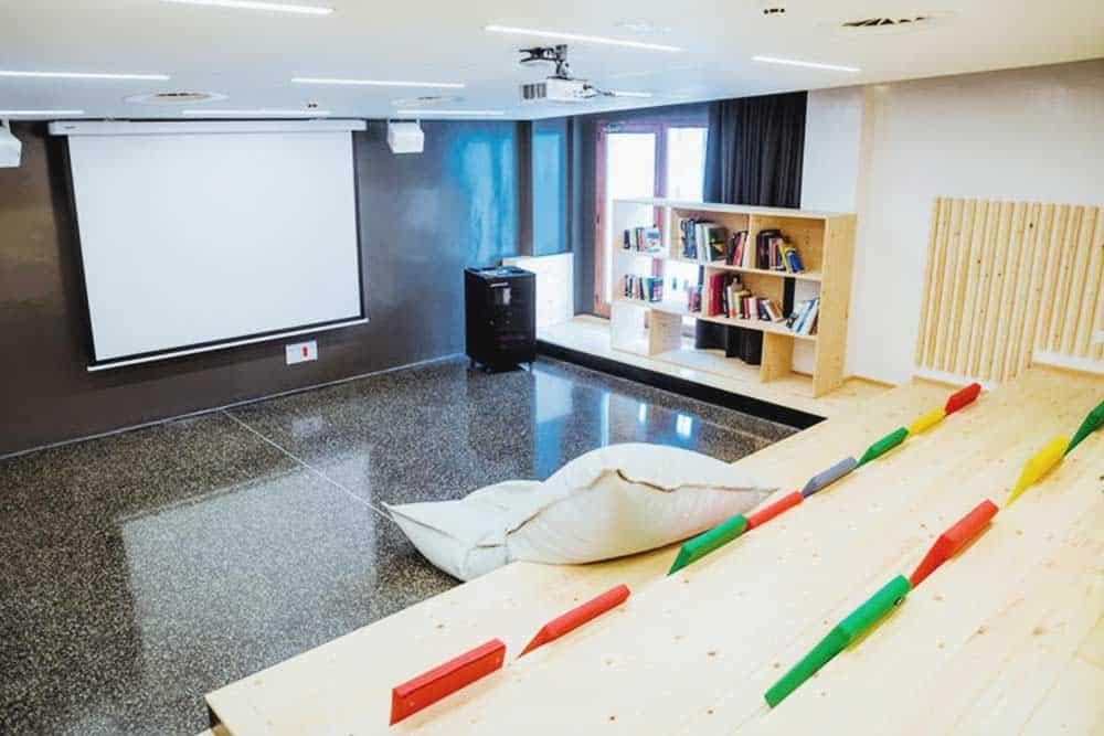 Amistat Ibiza Hostel cinema room