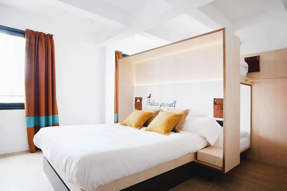 TOC Seville private room budget accommodation Seville