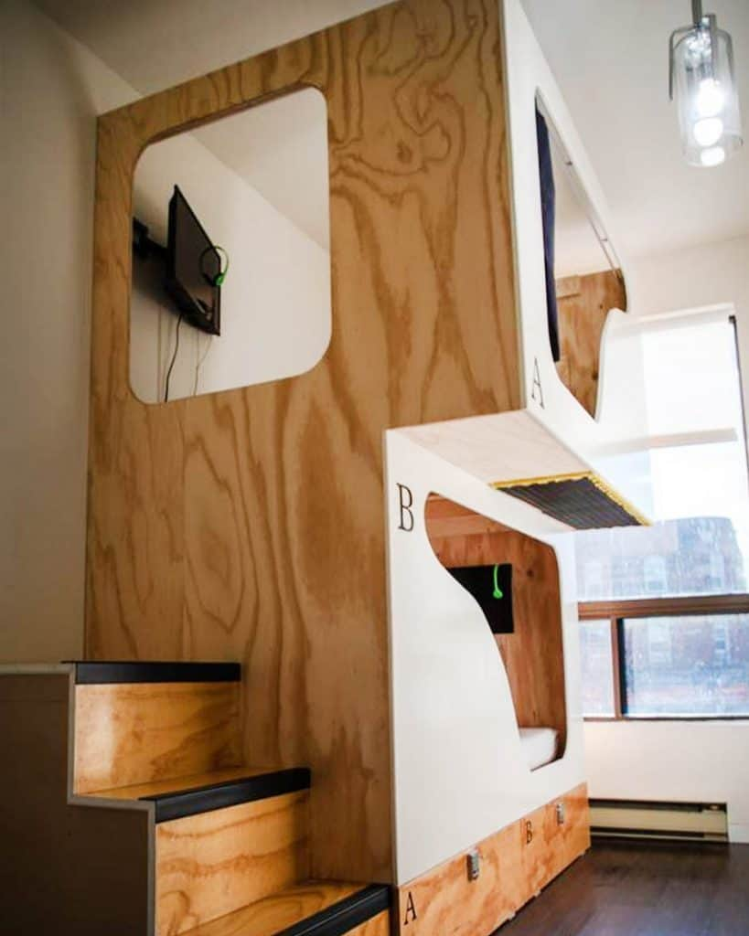 Comfy pod at Two Peas Pod Hostel Toronto