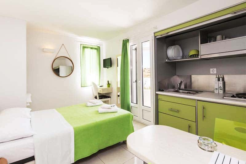 Rooms equipped with kitchens at Artemoula's Studios