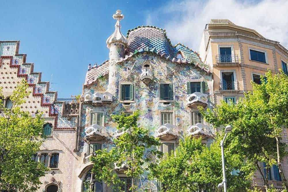 Admire Casa Batlló in Barcelona