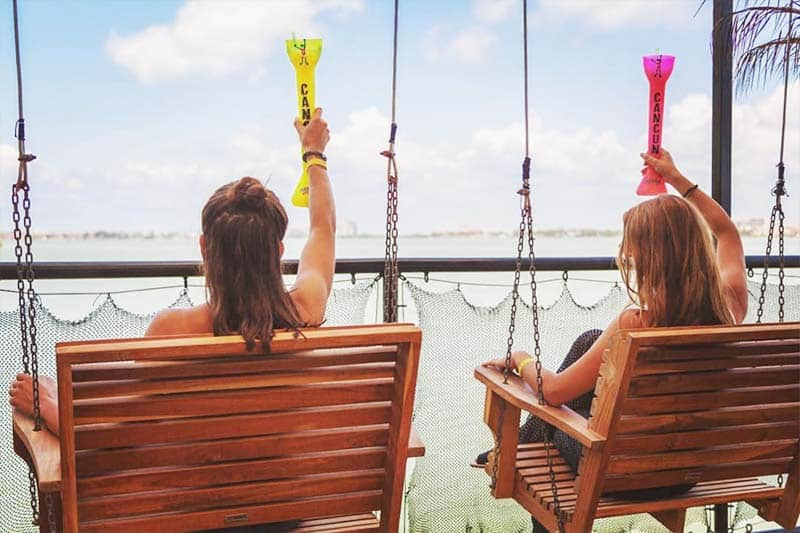 A Drink with a view - Two Backpacker Girls enjoying the coolest hostels in Cancun