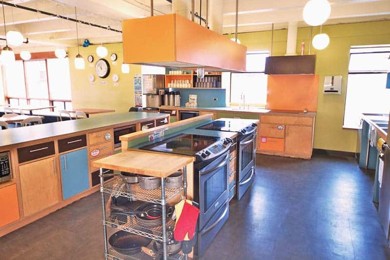 You have all the access to use the fully equipped kitchen at HI Seattle at the American Hotel