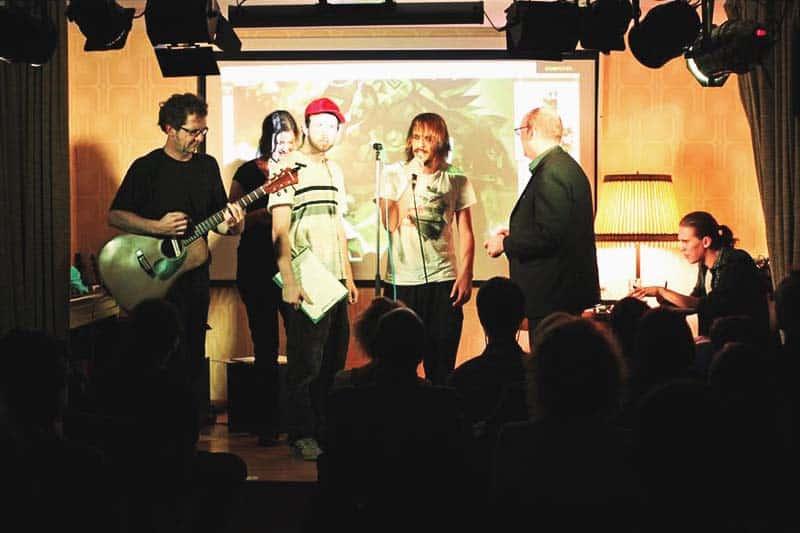 Artists performing arts at Hostel Die Wohngemeinschaft