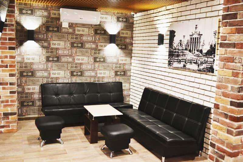 Enjoy the spacious lounger area at Hostel Ester House