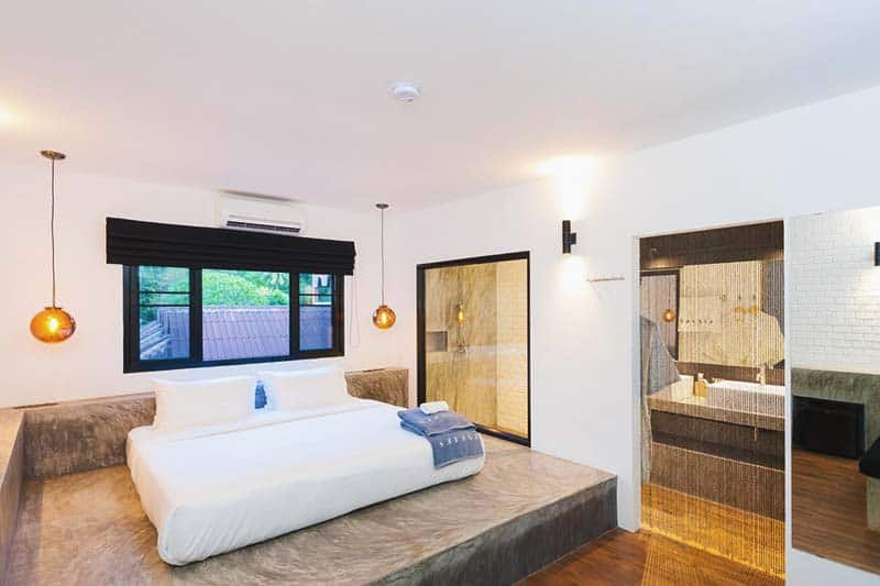 The Luxury Suite at Savage Hostel, wanna splurge a bit?