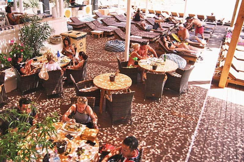 Paraga Beach Hostel's al carte restaurant