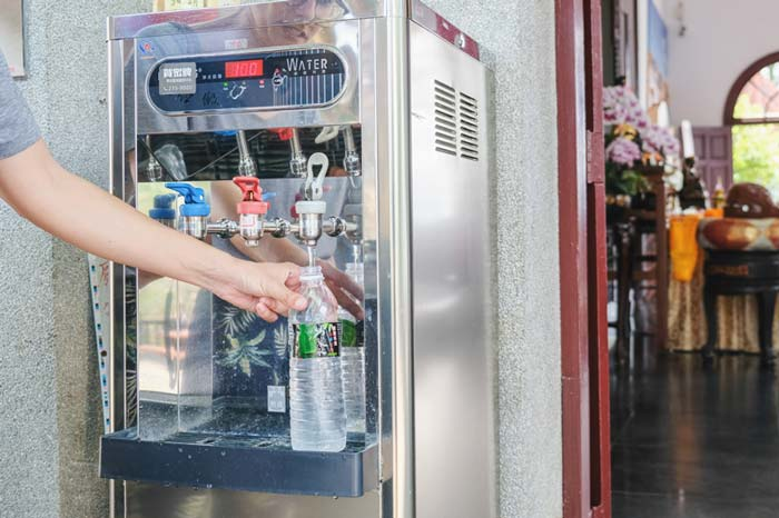 Free Water Refill to save money and plastic - money saving tip for Taipei