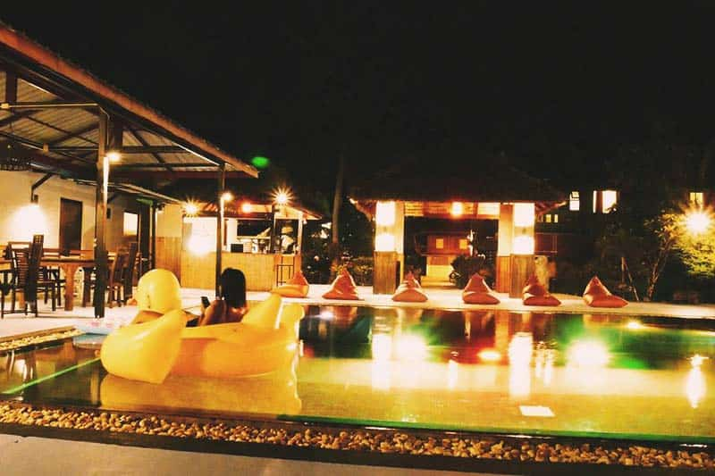 Have your favorite cocktail at the pool in Il Mare Koh Phangan Hostel