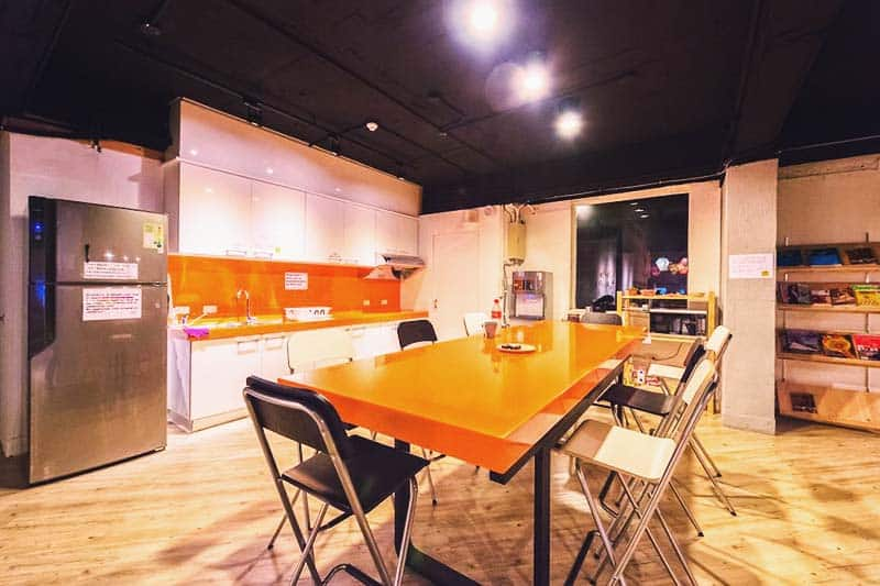 Cook your own at Meander Taipei Hostel