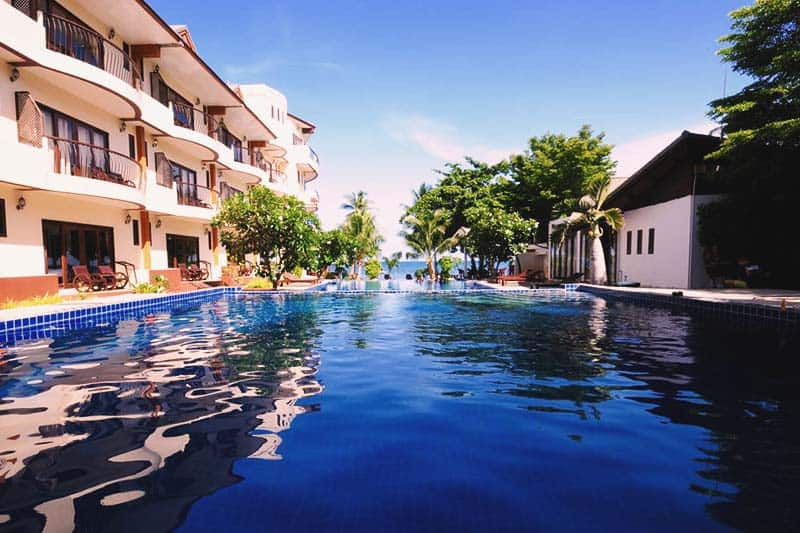 Take a dip and relax at the Oasis Hostel