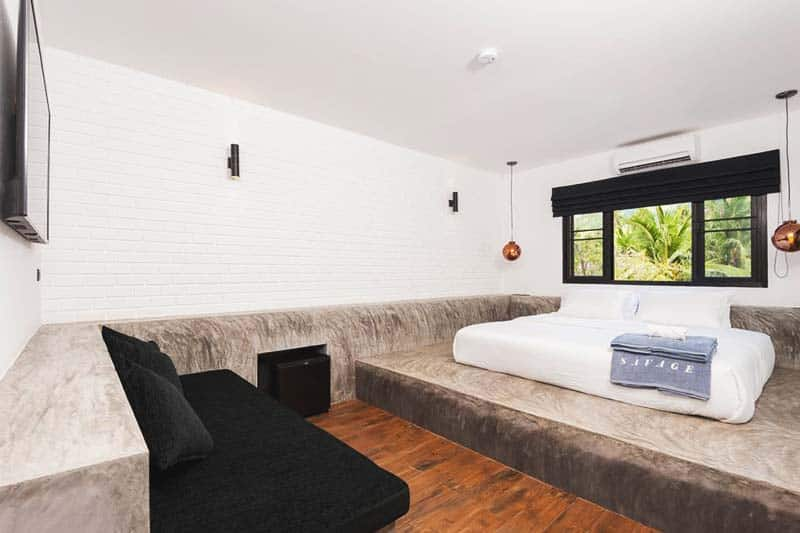 Private rooms are big and spacious at Savage Hostel Koh Tao