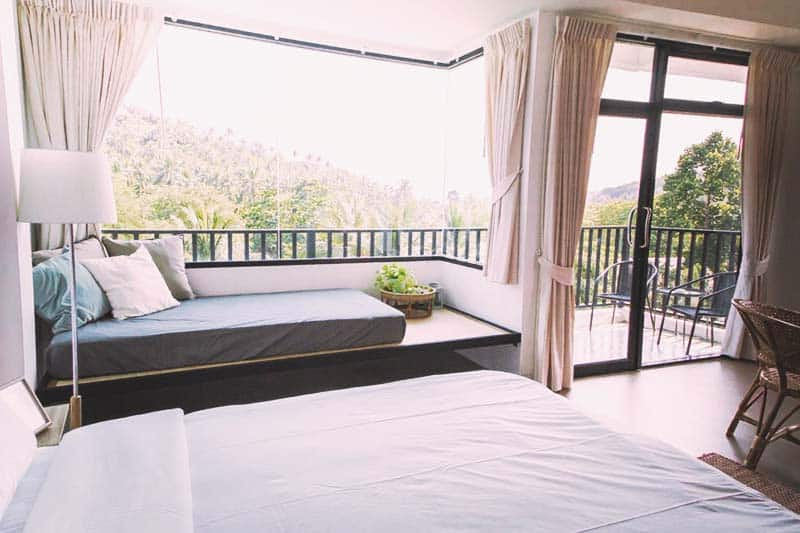 Take a breathe of the fresh air at The Dearly Koh Tao Hostel rooms