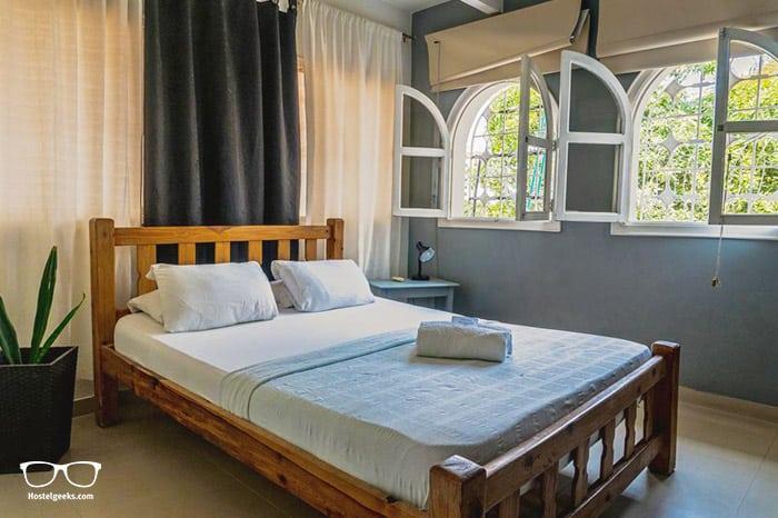 Calle 11 Hostel Rodadero is a 5 Star Hostel in Santa Marta, Colombia
