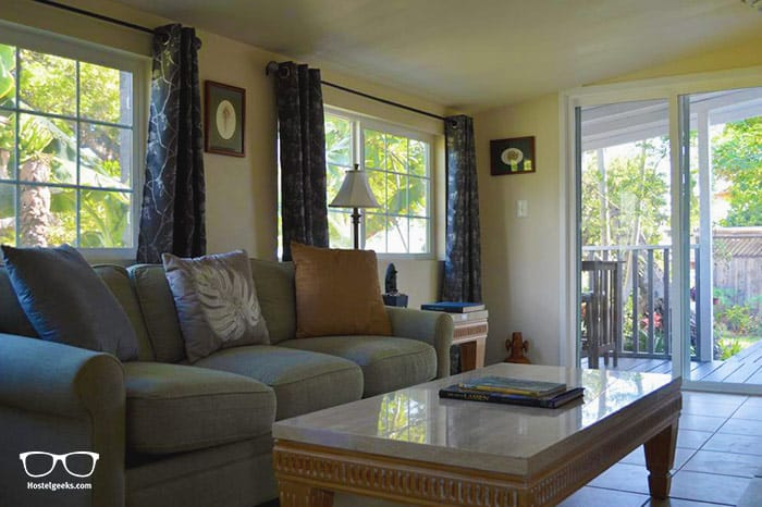 The Lahaina Beach House is one of the best hostels iin Hawaii, USA