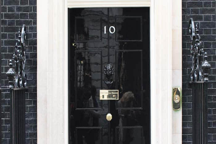 See the Prime Minister in his residence at 10 Downing Street