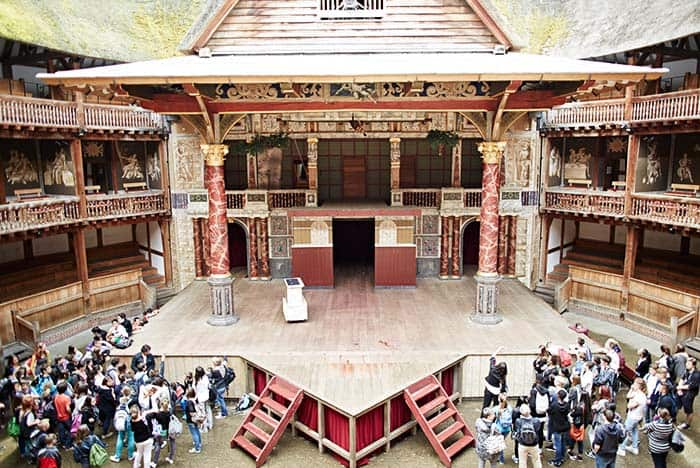 Discover literature and history in Globe Theater London