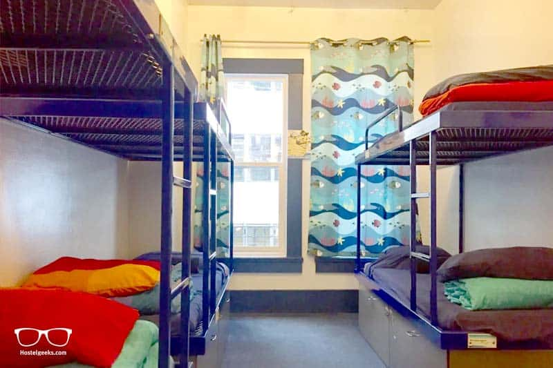 Pacific Tradewinds hostel dorm in San Franscisco, USA