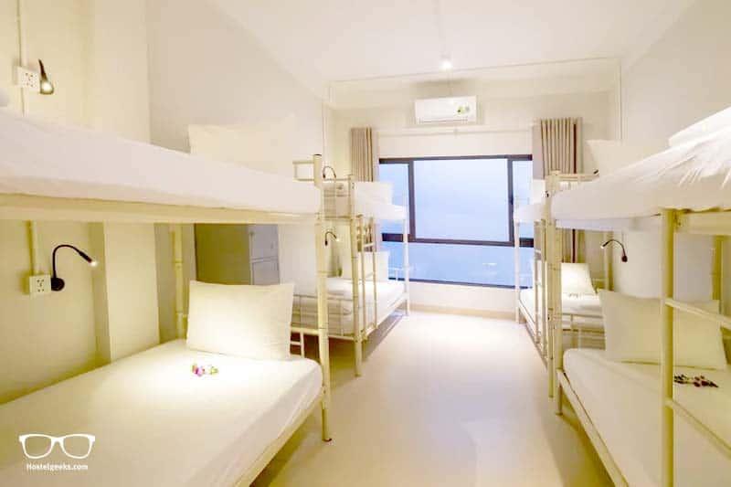 Bed Station Hostel & Pool Bar
