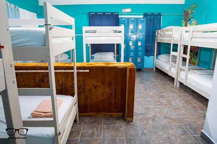 ITH Beach Bungalow Surf Hostel is one of the best hostels in San Diego, USA