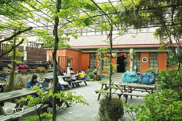 Le Tour Traveler's Rest Youth Hostel is one of the best hostels in Shanghai, China