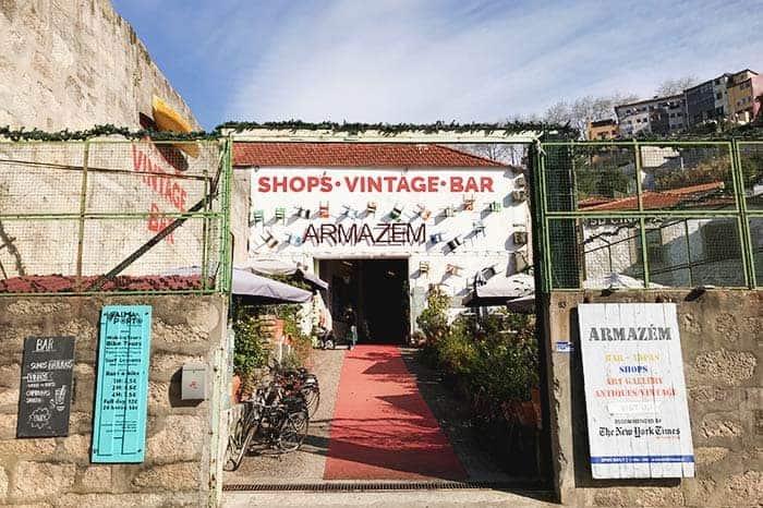 Armazem flea market, Porto