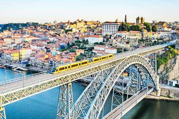 From the upper part of the Dom Luis Bridge, you can walk right to the Cathedral