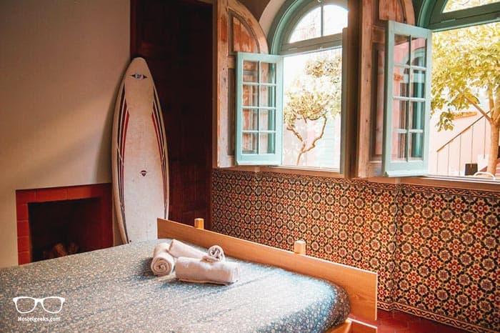 Best Surf Hostels in Portugal - Kali Vice Surf Villa in Costa da Caparica