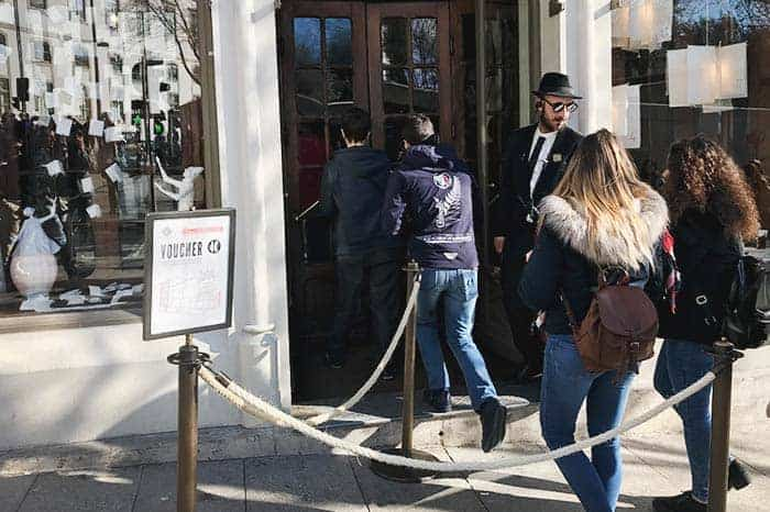 Entry at Libreria Lello Oporto