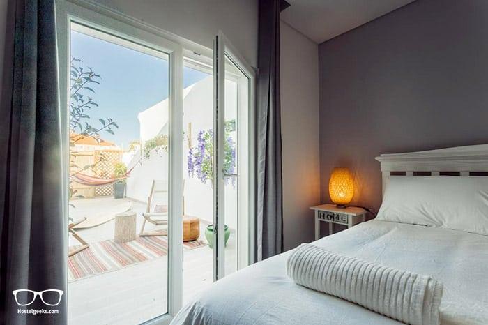 Best Surf Hostels in Portugal - Moniz Surf Lodge in Porto