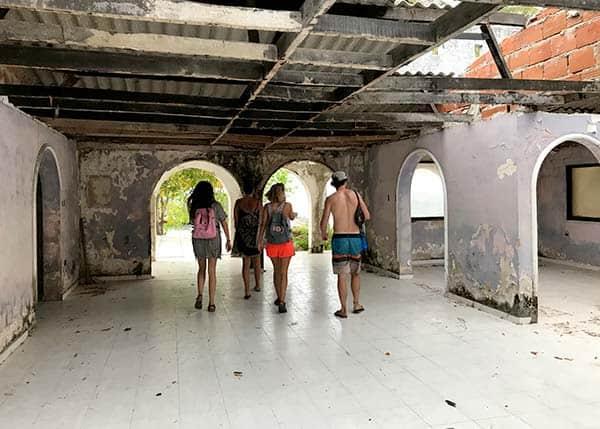 Pablo Escobar Villa at Isla Rosario - or is it?