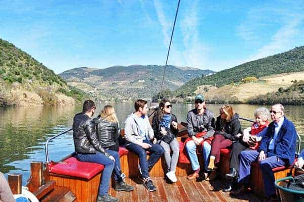 Enjoy a lovely cruise in Douro Valley and explore the town