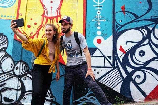 Take beautiful photos of Porto's street arts