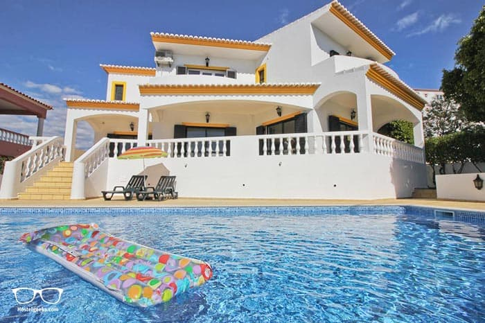 Suite Thing Hostel is one of the best hostels in Lagos, Portugal for backpackers