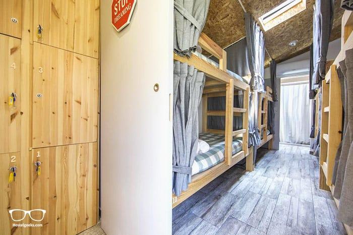 Best Surf Hostels in Portugal - Vila Maria Surf House in Costa da Caparica